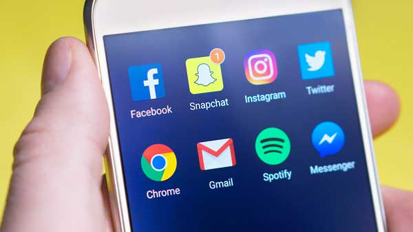 Social Media marketing smartphone con social network